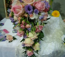 Shower bouquet with pink roses & spray roses and lilac lizianthus